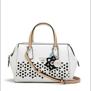 GUESS BIANCO PURSE
